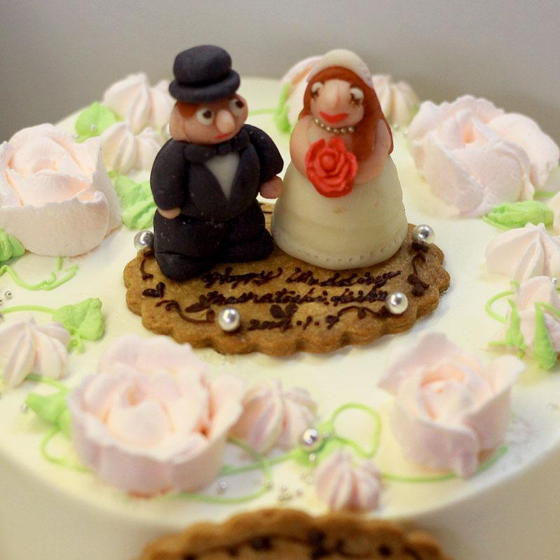 お祝い マジパンを使ったケーキ
