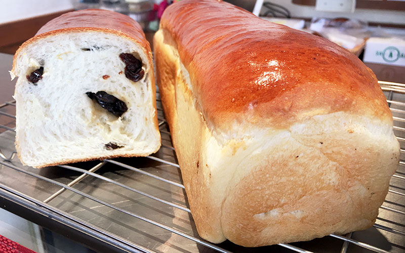 レーズン入り牛乳山型食パン
